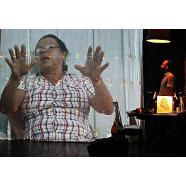 Laura, solo de Fabricio Moser, estreia na SP Escola de Teatro