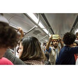 Trens da CPTM e ruas do Jardim Romano são cenário para A Cidade Dos Rios Invisíveis